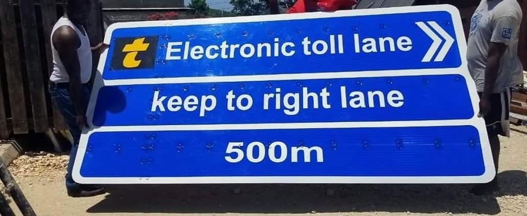 electronic toll lane 500m ahead please keep right… #ideadelivered  #printbigja