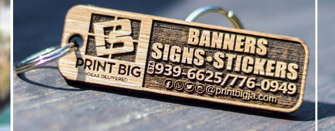 Give your friends family or customers high quality personalized wood key