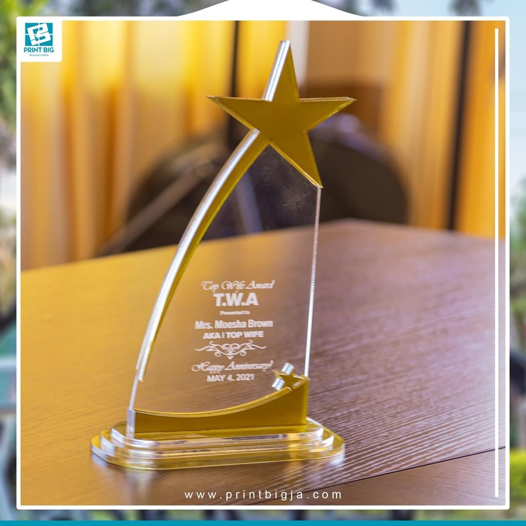 1623816485 860 Stylish acrylic awards that deliver your message with excellence Thinking